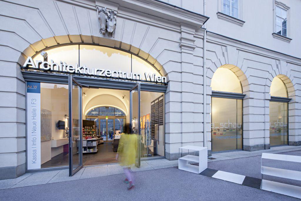 Eingangsbereich in ein Architekturmuseum