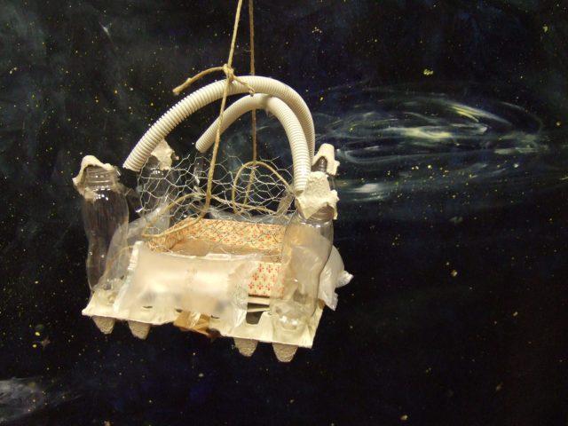 selbstgebautes Modell einer Raumfahrtstation