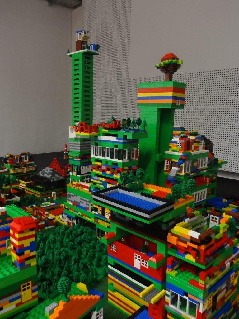 Lego Türme und Landschaft