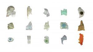 Skulpturen aus verschiedenen Kunststoff-Materialien